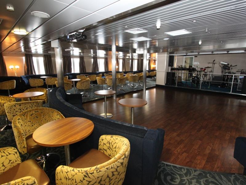 ocean-endeavour-nautilus-lounge-2
