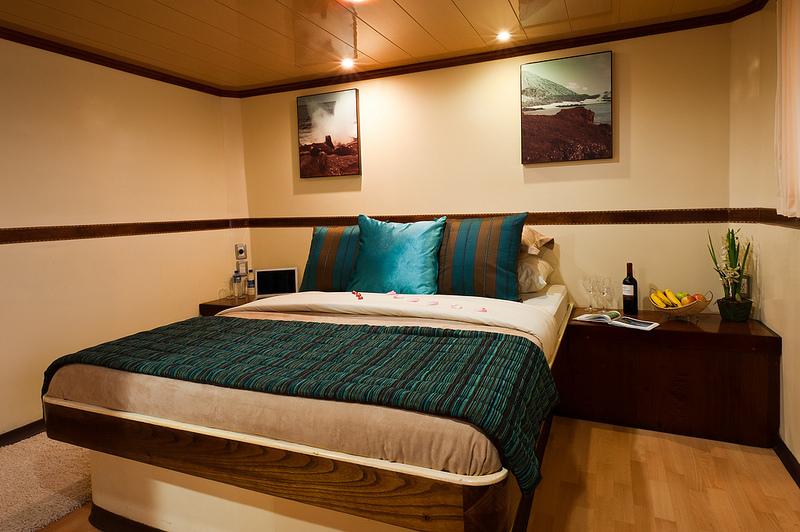 upper deck cabin